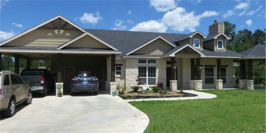 4660 w farm road 942 livingston tx 77351 for Home builders in livingston tx