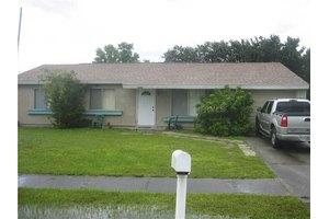 2344 Roxbury Cir, North Port, FL 34287