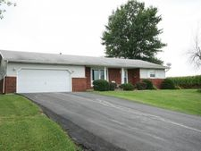 5 Moraine, Warrensburg, IL 62573