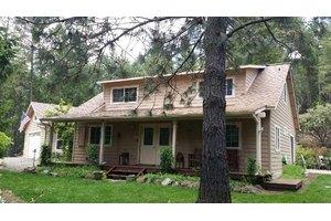 155 McMullen Creek Rd, Selma, OR 97538