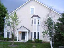 33 Peach Tree Ln, North Haledon, NJ 07508