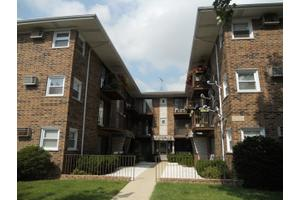 3158 N Neenah Ave # 2c, Chicago, IL 60634