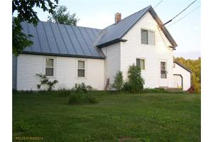 28 Hilton Rd, Whitefield, ME 04353