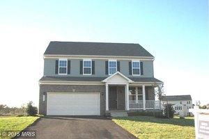 820 McGuire Cir, Berryville, VA 22611