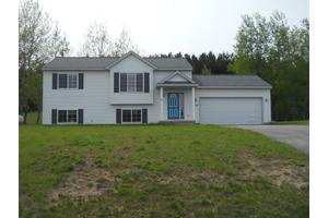4713 Rokos Ct, Traverse City, MI 49685