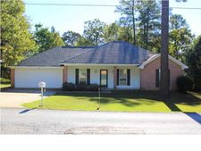 929 W Lake Dockery Dr, Byram, MS 39272