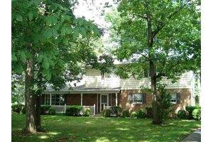 2100 Grandview Rd, Hanover, PA 17331
