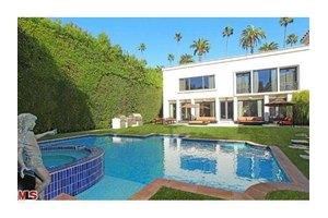 713 N Bedford Dr, Beverly Hills, CA 90210