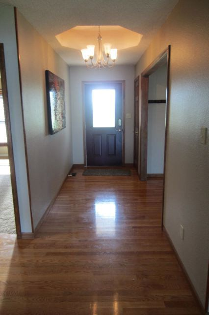 2929 cantaberry dr jefferson city mo 65109 for Hardwood floors jefferson city mo