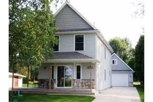 885 N Channel Dr, Clay Twp, MI 48001