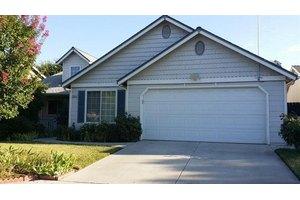 5044 W Roberts Ave, Fresno, CA 93722