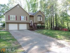2717 Braemore Gln, Powder Springs, GA 30127