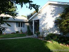 17682 Ridge Dr, Carlinville, IL 62626