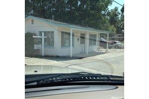128 West Ave, Oakdale, CA 95361