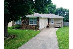 2655 N Pierce Ave, Springfield, MO 65803