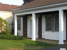 62 Chippendale Dr, Mount Sinai, NY 11766