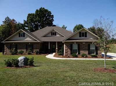 229 Mills Plantation Cir, Troutman, NC 28166