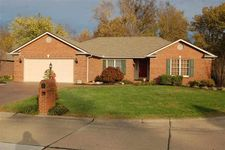 8323 Southport Dr, Evansville, IN 47711