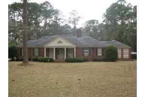 1336 Fairview Dr, Moultrie, GA 31768