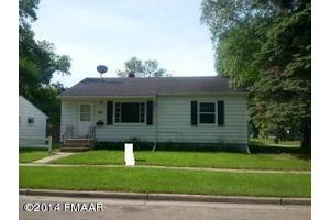 205 13th Ave S, Moorhead, MN 56560