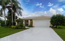 3906 Sherwood Blvd, Delray Beach, FL 33445