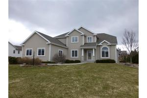 1317 Red Tail Dr, Verona, WI 53593