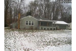 114 Skyline Dr, Canfield, OH 44406