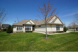 S74w15446 Knollwood Ct, City of Muskego, WI 53150