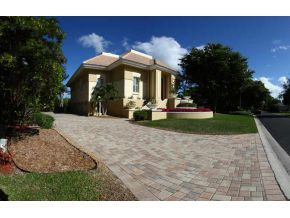15721 Chatfield Dr, Fort Myers, FL