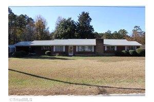 2629 Speas Rd, Winston Salem, NC 27106