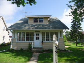 113 E Spring St, New London, WI