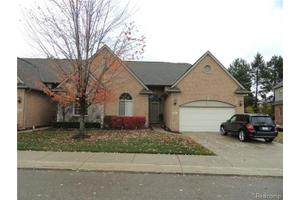 2765 Kentwood Dr, Shelby Township, MI 48316