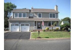 2537 Littlehill Rd, Point Pleasant, NJ 08742