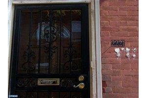 2221 N 16th St, Philadelphia, PA 19132