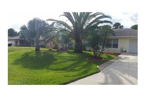 1021 Apple Ave, Lehigh Acres, FL 33971