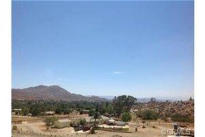 25522 Echo Valley Rd, Homeland, CA 92548