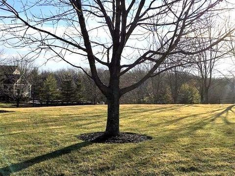 2606 Countrylake Dr, Green Township, OH 45233