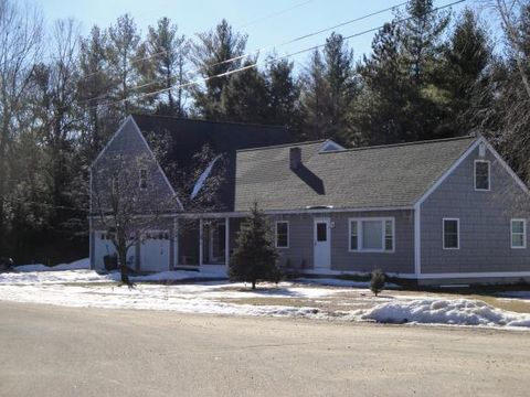 1 Riverview Ct, Epping, NH 03042