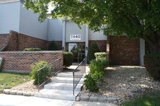 7440 Grand Ave Apt 203, Downers Grove, IL 60516