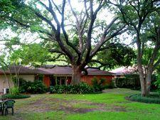 8613 Cedardale Dr, Houston, TX 77055