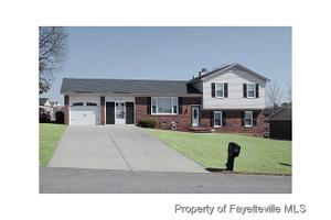 913 Issac Dock Dr, Fayetteville, NC 28314