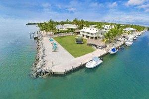 209 Ocean Dr, Islamorada, FL 33070