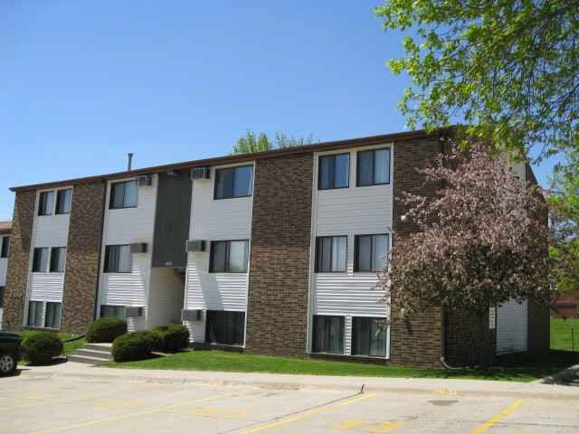 806 Benton Dr Apt 12, Iowa City, IA 52246