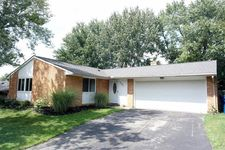 4933 Arrowview Dr, Huber Heights, OH 45424