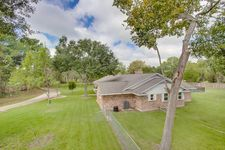 1001 W Parkwood Ave, Friendswood, TX 77546