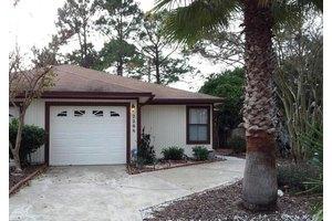2268 Ironstone Dr E, Jacksonville, FL 32246