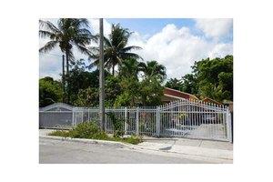 151 NW 44th St, Miami, FL 33127