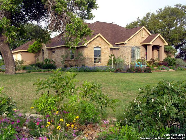 floresville singles Residential property for sale in floresville,tx (mls #1313128) learn more from the castillo group spacious single story home with amazing views of the 9th hole of this extra large covered patio in the quiet villages of river bend.