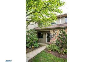 204 Clover Hill Ct, Yardley, PA 19067