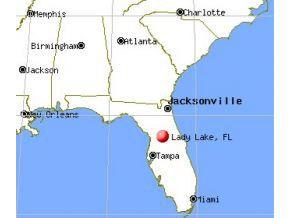 40302 Palm St, Lady Lake, FL 32159